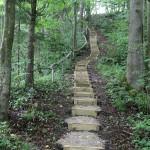 10 Altoniškių piliakalnyje įrengti laiptai.