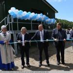 6 Kauno rajono savivaldybės atstovai džiaugiasi, kad Zapyškyje pavyko įrengti vandens gerinimo stotį.